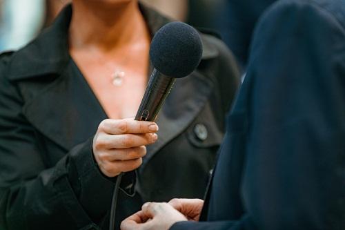 Améliorer l'image d'une entreprise avec une agence en relations médias